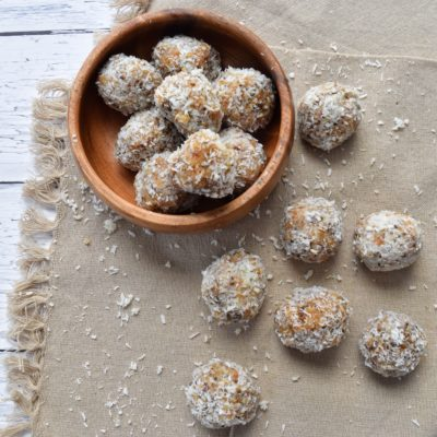 Whole30 Almond Cashew Coconut Energy Bites