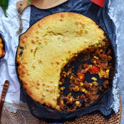 One Skillet Cornbread Chili