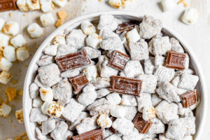 S'mores Muddy Buddy Party Mix