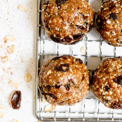 Easy Oatmeal Cookie Date Balls